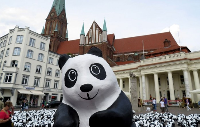 paulo-grangeon-paper-panda-exhibiton-taiwan-31650-750x478